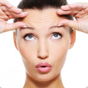 Cum scapi de riduri cu Botox sau Acid Hialuronic?