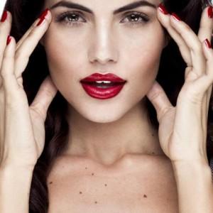 Reintinerire faciala cu terapia Vampir
