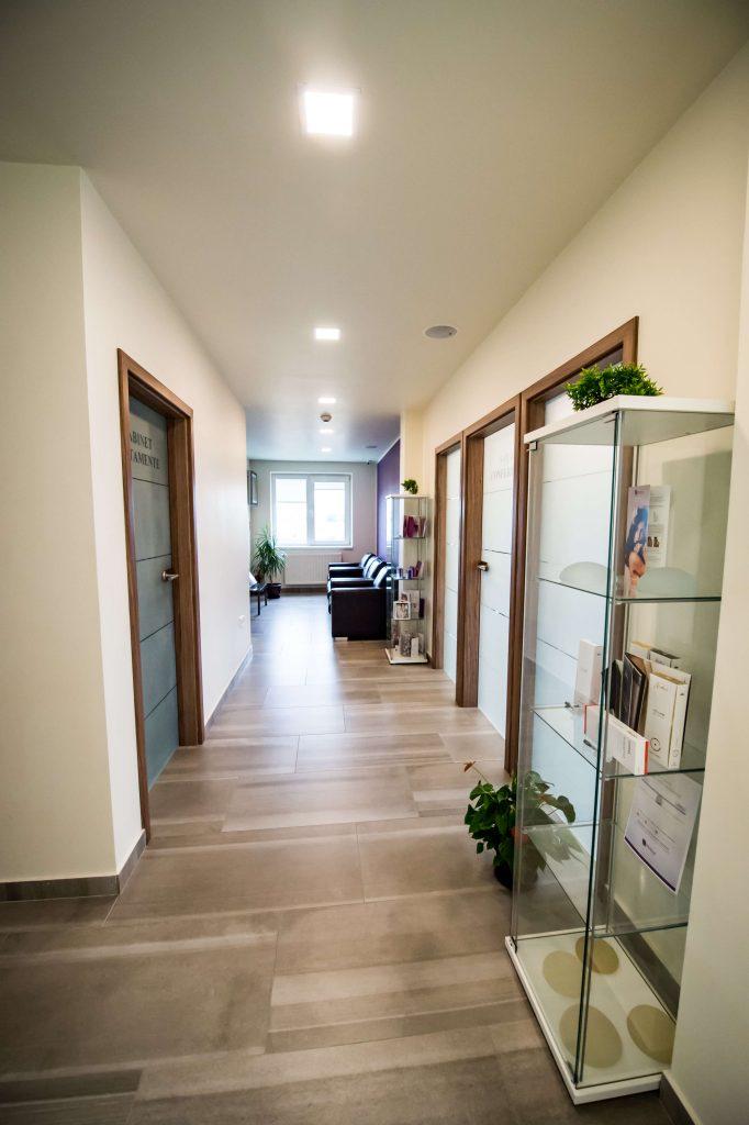 Sala de asteptare mansarda cosmedica